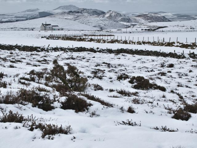 snow on the llyn peninsula